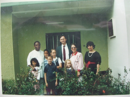 Together with some of our closest friends in Port Harcourt, the Nwators, in front of our house.
